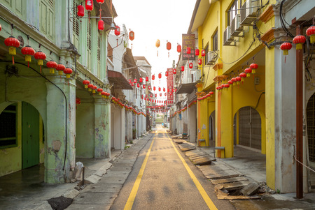Ipoh, Malaysia - August 15, 2018: street view of Ipoh. Concubine Lane, or Yi Lai Hong, is a narrow and small lane located off Jalan Bandar Timah (Leech Street) in Old Town 新闻类图片