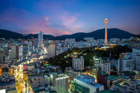 night view of busan with busan tower in korea 新聞圖片