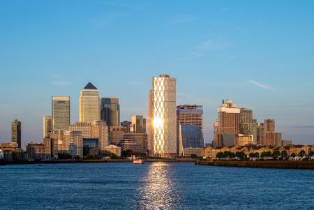 Toits de Londres à Canary Wharf par la Tamise Banque d'images