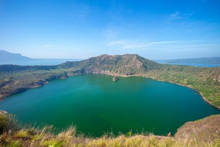 Taal Lake in Batangas near Manila, philippines Imagens