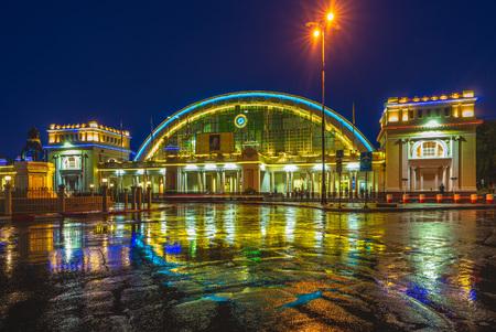 bangkok railway station (hua lamphong) at rainy night