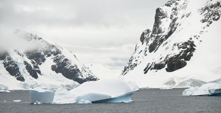 antarctic peninsula: Typical scenery from found around the Antarctic Peninsula. Stock Photo