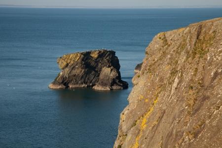 tal: The sea stack Trwyn y Tal, on the Wales coast path at Trefor, Lleyn peninsular, Wales, UK. Stock Photo
