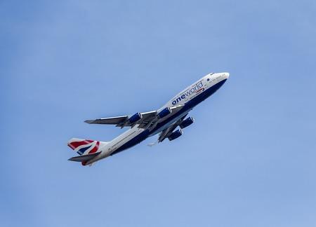 boeing 747: Passenger aircraft in British Airways One World Livery. Boeing 7