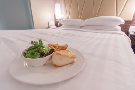 delivery room: Room Service Delivery