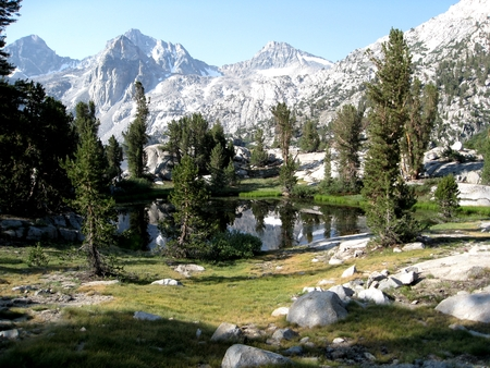 muir: Title: Rae Lakes Location: Rae Lakes are in the Sierra Nevada Mountains of California. This is a popular camping spot on the John Muir Trail just north of Glen Pass.
