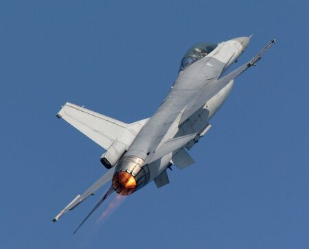 aircraft bomber: F-16 Fighting Falcon air show