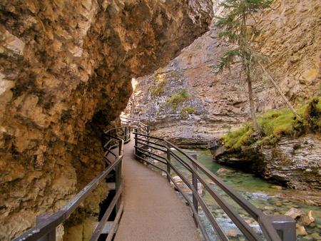 Path Around The Mountain Stock fotó - 21583938
