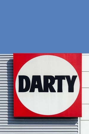 retailing: Macon, France - September 21, 2015: Darty, founded in 1957 is specialising in electrical retailing and operates across Europe