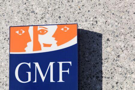 sirvientes: Villefranche, Francia - 24 de enero 2016: GMF firmar en una pared. GMF es una mutua de seguros para los funcionarios públicos