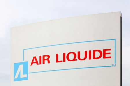 amoniaco: Horsens, Denmark - May 22, 2016: Air Liquide is a french multinational company which supplies industrial gases and services to various industries like medical, chemical and electronic manufacturers Editorial