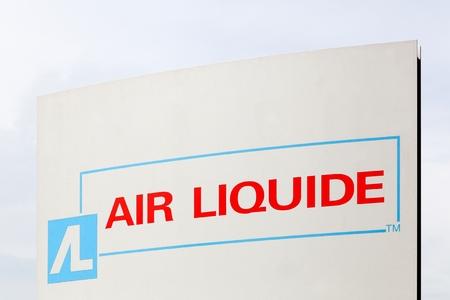 amoniaco: Horsens, Dinamarca - 22 de mayo, 2016: Air Liquide es una multinacional francés, que suministra gases industriales y servicios a diversas industrias como fabricantes de electrónica médica, química y Editorial