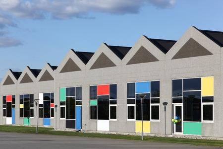 Billund, Denemarken - May14, 2016: Lego kantoorgebouw in Billund, Denemarken. Lego is een lijn van plastic constructie speelgoed die zijn vervaardigd door de Lego Group. Stockfoto - 63031463