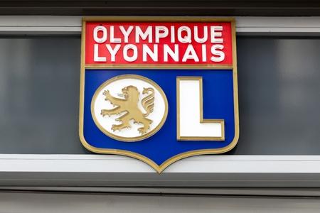 リヨン、フランス - 2017 年 2 月 26 日: オリンピックリヨン一般的に呼ばれる単に OL はリヨンに拠点を置くフランスのサッカー クラブ。これはフラン 報道画像