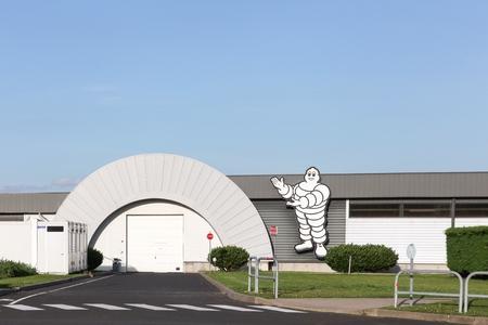 Clermont, Frankrijk - 7 juni 2017: Michelin-fabriek in Clermont-Ferrand. Michelin is een bandenfabrikant gevestigd in Clermont-Ferrand en is een van de drie grootste bandenfabrikanten ter wereld Redactioneel