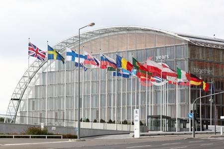 Kirchberg, Luxemburgo - 21 de julio de 2018: Edificio del banco de inversión europeo en Luxemburgo. El banco de inversión europeo es la institución crediticia a largo plazo sin fines de lucro de la Unión Europea establecida en 1958.
