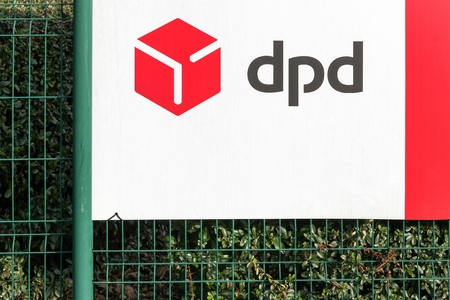 Trevoux, France - January 19, 2019: DPD logo on a panel. DPD is an international parcel delivery company owned by GeoPost. It has more than 830 depots in more than 40 countries 에디토리얼