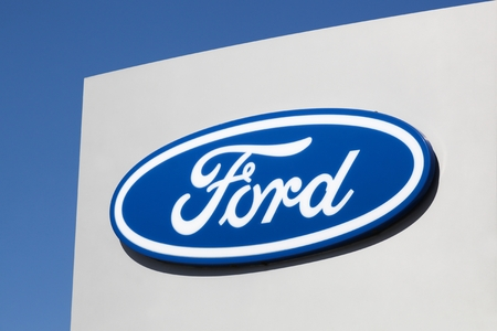Risskov, Denmark - May 11, 2019: Ford logo on a wall. Ford is an American multinational automaker headquartered in Dearborn, Michigan, USA Éditoriale