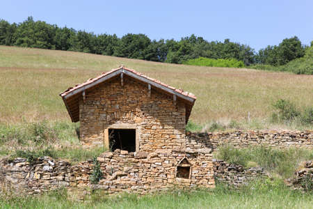 Typical stone hut called cadole in french language in Theize, Beaujolais, France Foto de archivo