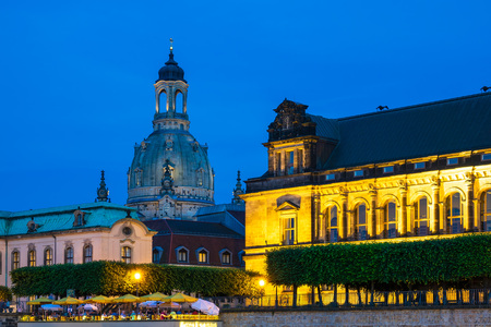 Historical building at night in Dresden, Germany. Standard-Bild
