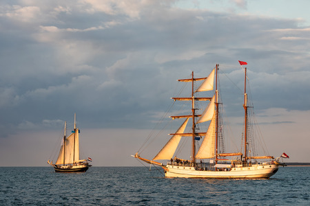 Windjammer on the Baltic Sea in Warnemuende, Germany. Standard-Bild - 109182438