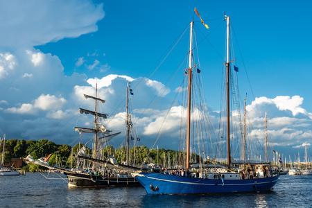 Windjammer on the Hanse Sail in Rostock, Germany. Standard-Bild - 109182443