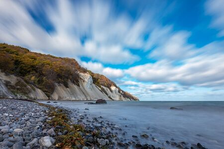 Baltic Sea coast on the island Moen in Denmark. Banque d'images - 129369735