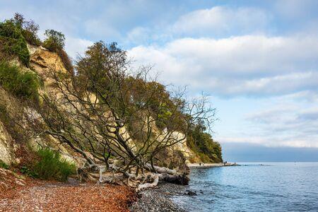 Baltic Sea coast on the island Ruegen, Germany. Banque d'images - 129369790