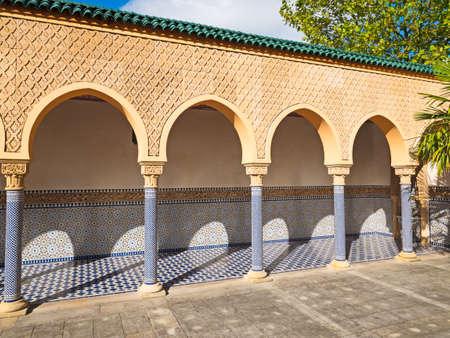 moorish: Traditional Moorish arch with ornament in Tilt