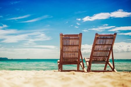 strandstoel: Twee zitten plaats in een tropisch strand