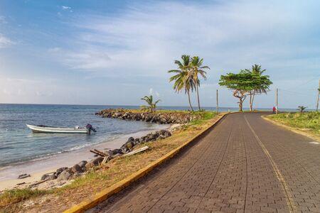 suelo arenoso: carretera de la isla del maíz, Nicaragua
