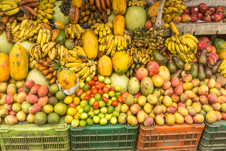 lokaler Marktplatz Obstladen aus tropischem Land