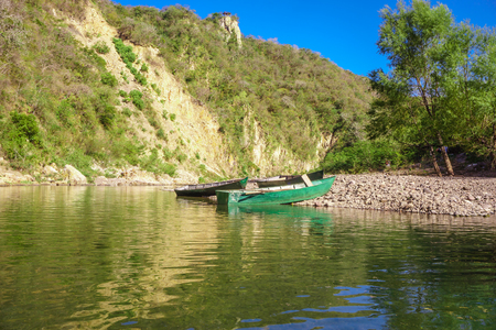 boat goes along the Coco river bank, somoto canyon