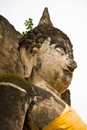 Les ruines d'une image de Bouddha dans un temple, la province de Sukhothai, Tha�lande
