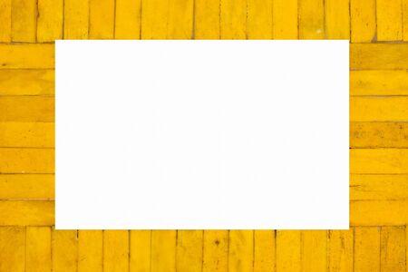 L'image isol�e du cadre photo en bois jaune