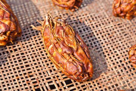 Les tamarins sont séchées sur du panier Banque d'images - 15870467