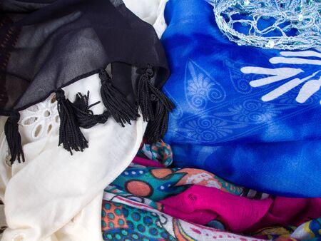 sciarpe: Sciarpe multicolore Archivio Fotografico