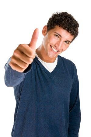 pulgar levantado: Feliz casual joven mostrando pulgar arriba y sonriente aislados sobre fondo blanco