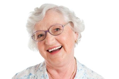 Happy smiling senior Lady Blick in die Kamera mit ihrer Brille isoliert auf weißem Hintergrund
