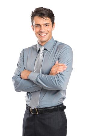 팔과 함께 행복 한 젊은 사업가의 초상화는 흰색 배경에 고립 된 교차