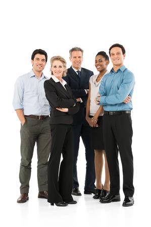 Grupa szczęśliwych wieloletnich rasowej przedsiębiorców stojących na białym tle