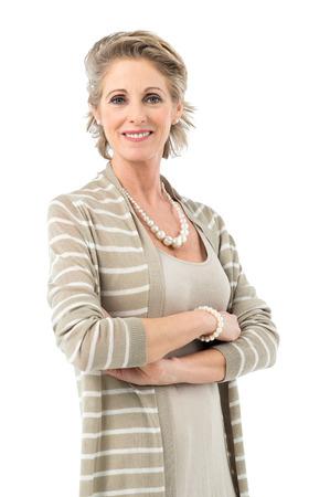 Portret Van Lachende volwassen vrouw die lacht camera kijken Geïsoleerd Op Witte Achtergrond