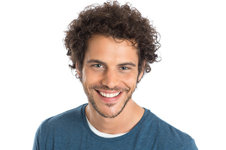 ansikten: Närbild av ärlig man isolerade på vit bakgrund