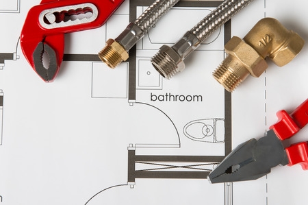Plumbing Tools On Blueprint 免版税图像 - 33251270