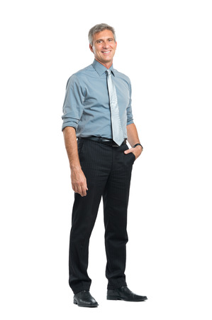 Portrét šťastný zralá Podnikatel při pohledu na kameru na bílém pozadí