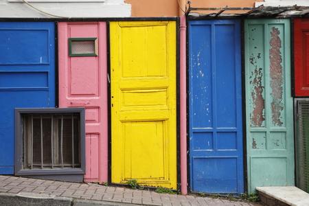 puertas antiguas: la luz del día macro puertas viejas fueron fotografiados color, imagen de fondo en Foto de archivo