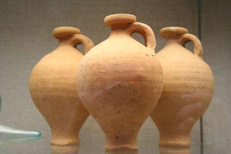 potation: three roman pots
