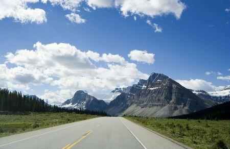 mediaan: icefields Parkway - droom weg door de Rockies, Canada