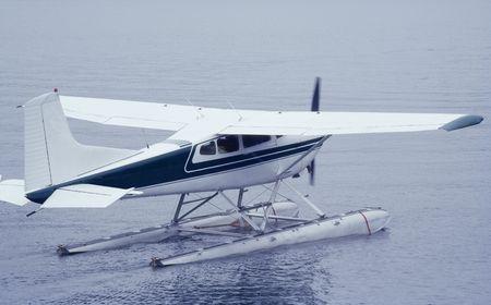 Seaplane ready for Take Off - Tofino, Vancouver Island, British Colum