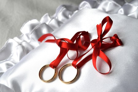 Wedding ring are ready to love on soft pillow Stock Photo - 6924566